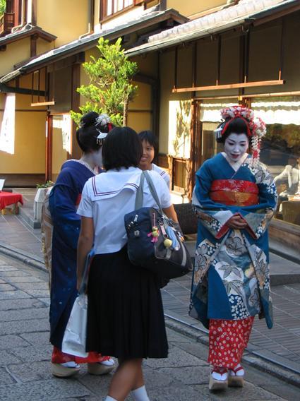 2011.03.19kuwahara01