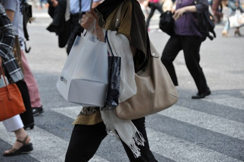 若い女性にとても多い「買い物依存症」から抜け出す方法【前編】