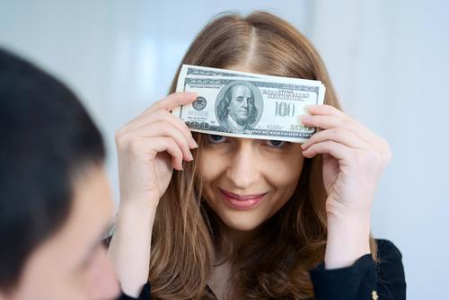 恋人にお金を貸す前に知っておかないと後悔すること9つ【前編】