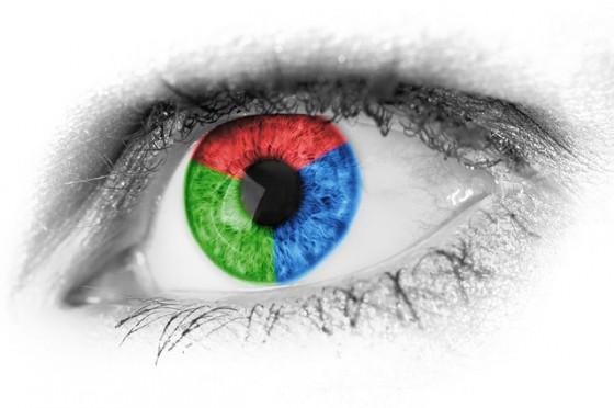 カラコンを使うなら「青い瞳より茶色い瞳のほうがいい」と研究で判明
