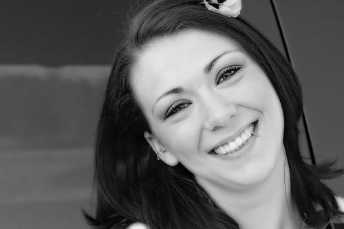 「笑顔の女性は男性から5倍モテる」と心理学で証明される