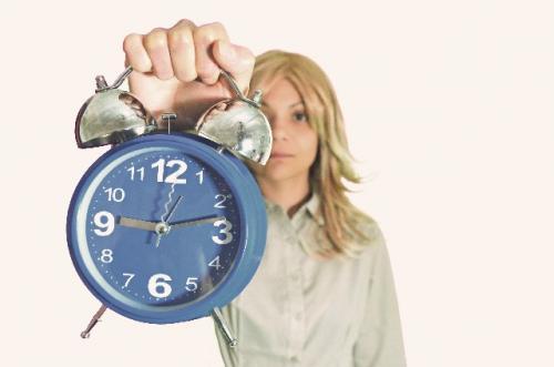 遅刻は何分でアウト?「男性が待たされて許せる時間は●●分」と判明