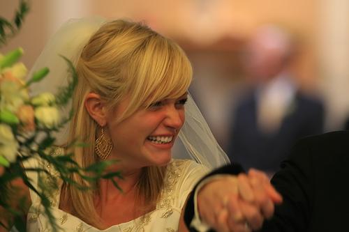 結婚が決まりやすい女子の特徴は「かわいくて恋愛下手」と判明