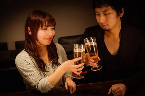 飲み会で「お持ち帰りOK?」と誤解される女性のうっかりフレーズ5選
