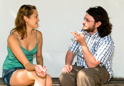 心理学で判明!モテるために大事なのは「話し上手&素直さ」