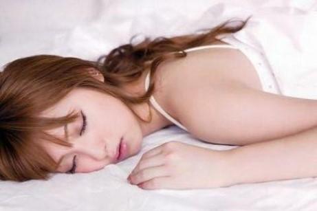 原因は睡眠不足!? あなたを太らせる「ニセ食欲」の対処法3つ