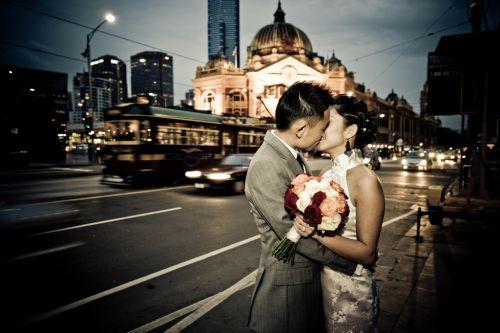 結婚にはどっちがお得?「燃える恋vs育てる愛」まさかの結果