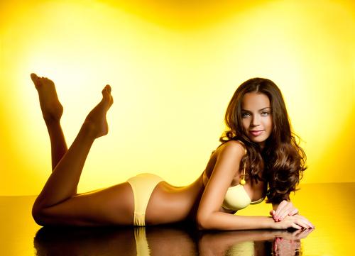南米美女のパーフェクトボディの秘密は「飲むサラダ」にあった!