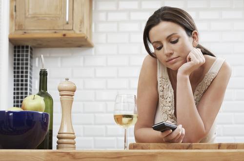 カレの家に行くチャンス!「ひとり家飲み」を楽しむ人が急増中