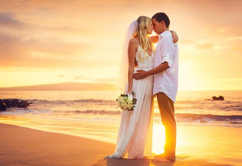 リゾート婚は微妙?男性が「結婚式を挙げたい場所」トップ3