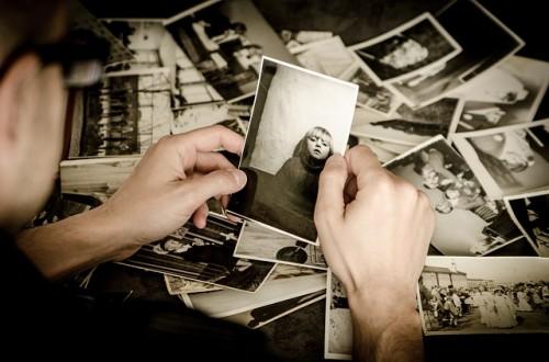 カレも持ってる!? 「昔の恋人の思い出写真」隠し場所は半数がアソコ