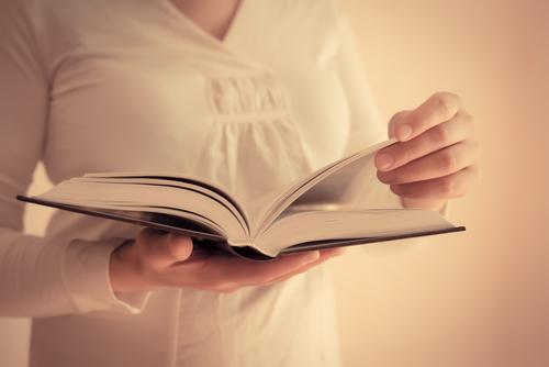 デキる女よりも「モテる女」に!一歩先行く読書テク