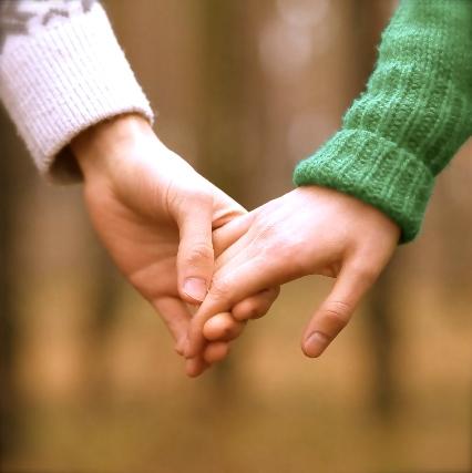 マンネリと安心感の違いは?「長続きカップルの秘訣」が判明