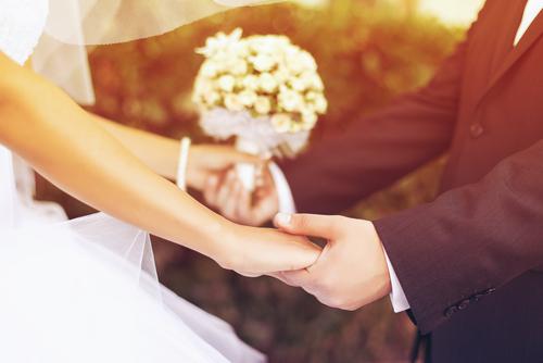 外国人ビックリ!「マニュアルどおりな日本の結婚式」その理由とは