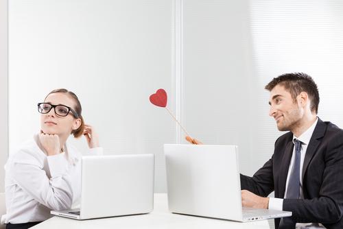 もうバレバレ?「同僚と交際するとき」作っておくべきルール4つ