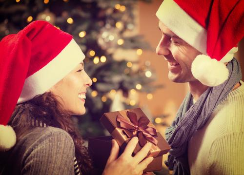 クリスマスの予定…「今はいないけど恋人と過ごしたい」4割も!