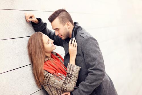 ナニその雑なキス!? 「恋愛は●年で冷める」けど結婚するために