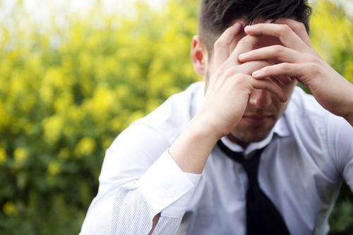 最近カレがおかしい…浮気よりも疑うべきな「男の鬱病」サイン8つ