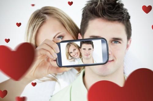 「デート中だよ!?」は禁句…スマホ依存のカレは重要である理由4つ