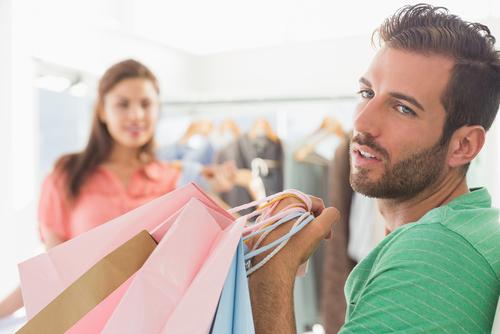 深刻…!オトコが「女の買い物につきあってるとき」考えてること4つ