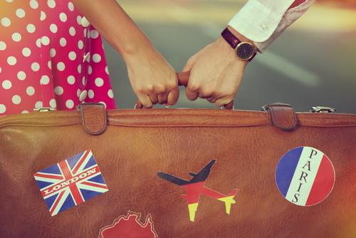 ●●がタダ!? 彼も惚れ直す「賢く安く海外に行けちゃう」方法とは