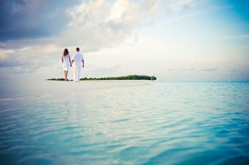 恋人と卒業旅行に行きたい!「男性は女性の7倍」その実態とは…