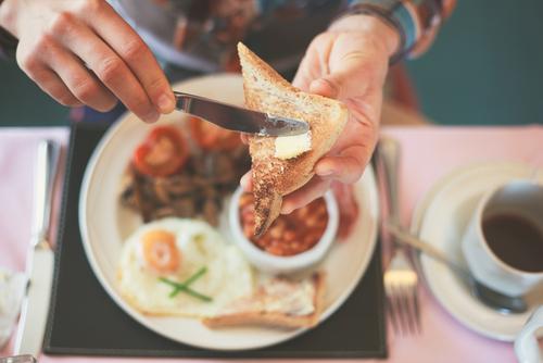朝活より朝飯だっ!「高収入男子」と出会うならモーニングと判明
