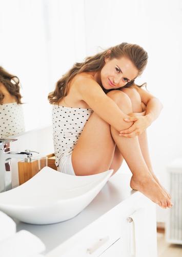 音やニオイ…どうすべき?みんな悩んでる「彼氏の家でのトイレ事情」