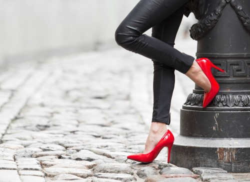 顔・胸・脚がキレイな女性に「男のアソコは反応する」調査で判明