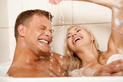 彼と長ーく愛し合うなら!「お風呂でアレする」と良いことが判明