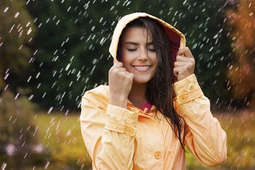 梅雨は恋のピンチ!男性4人に1人が「がっかり」になる崩れたアレ