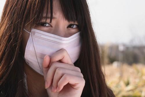 品切れ確実!女性を魅力的にする「マスクの色」北海道大学が発見