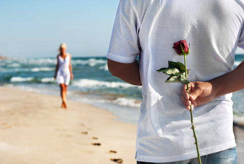 「平均的年収イケメンvs高年収ブサメン」結婚相手はどっち?