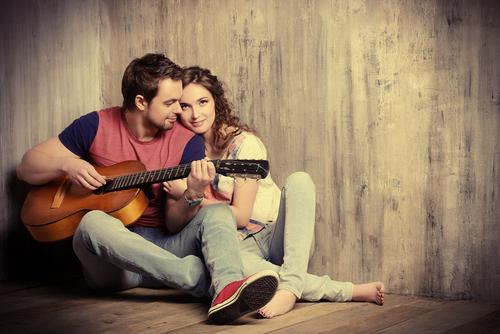 パートナーがいるのに…「気になる人ができた」ときの対処法3つ
