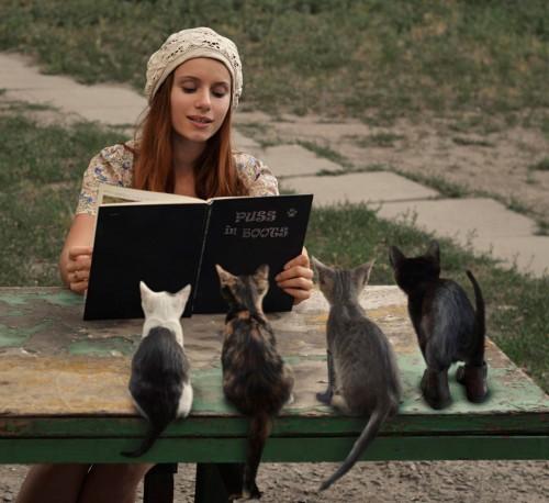 LINEばっかりしてちゃダメ!? 「読書してる」とモテる理由