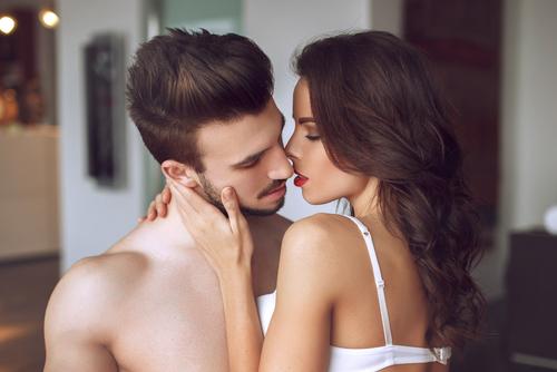 発情どころか破局も!男が別れを決意する「最悪キス」の実態とは