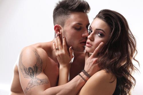 ヤベッ…ムラムラする!男友達と「お泊り」するときのテク3選