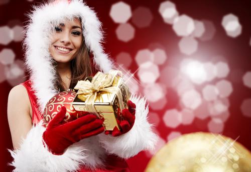 サンタ大作戦!意中の彼に「クリスマスプレゼント」で接近する方法