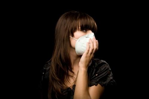 104%も魅力アップ!恋愛と健康に「正しいマスク」の使い方5つ