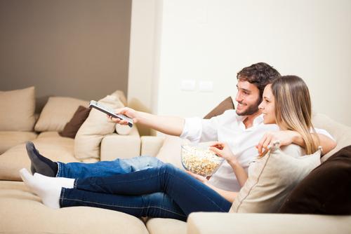 調べてみて!「一緒にテレビを見ればわかる」カップルの関係性4つ