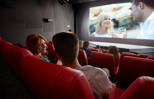 3位感動系、2位コメディより「男が彼女と観たい映画のジャンル」