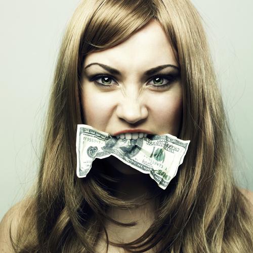 えっ意外…!? 結婚した方が「自由に使えるお金」が増えると判明