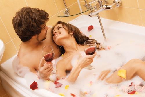 キャッ…ムクムクしてる!男を欲情させる「混浴」マル秘テク3選
