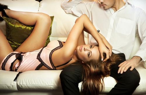 いやん見てる!86%の男が「本気で好きな女」だとチェックすること