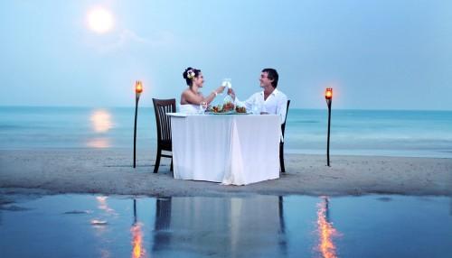 3割増しで可愛く!彼とのお食事デートで使える恋愛テクニック3つ