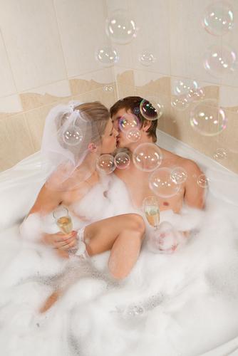 エッチな気分が台無し!「男性と混浴」でのNGハズカシ行為4つ
