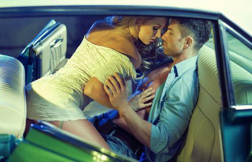 キャア…ホントに!? 「カーセックスしているカップル」は意外と多い
