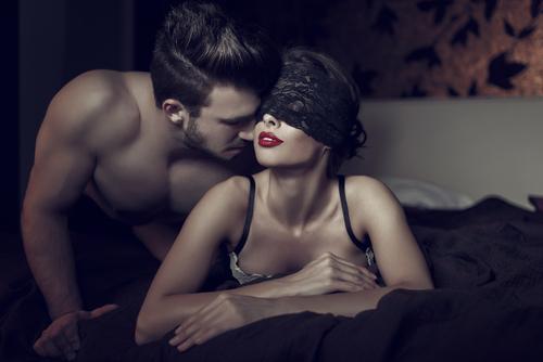 キュン死!男が「本気で愛している女」にだけするエロいキス2つ