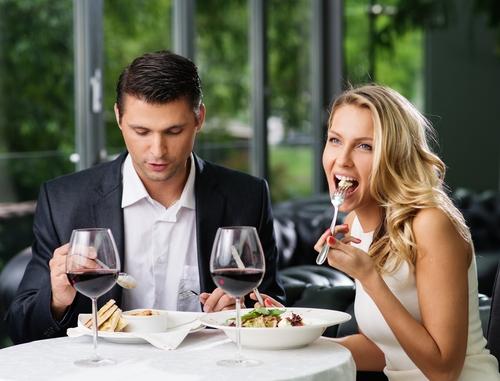レストランであなたも本命指名?「モテ女のメニューの決め方」3つ