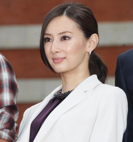 石原さとみVS北川景子…男が「純白ドレス姿を見たい」のはどっち?